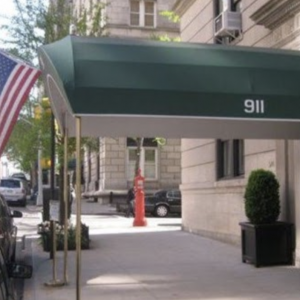 Picture of outside of Manhattan Family Practice Office